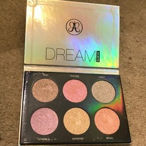 Anastasia Beverly Hills dream glow highlight kit